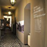 Egy város három arca című állandó kiállítás bejárata