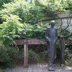 Radnóti Miklós szobra a Budapest Galériában